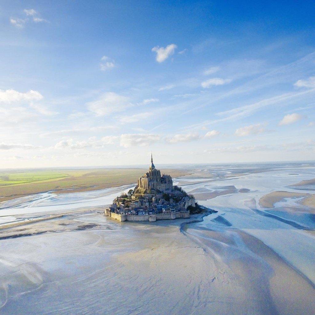Le Mont Saint Michel as the birds see it!