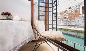Sweet Canal Apartment (Self Check-in), Venice, Italy