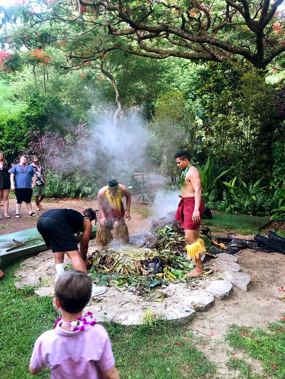 Best things to do in Oahu Luau food